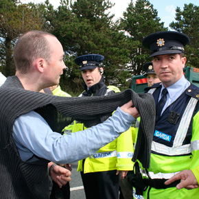 MEP Paul Murphy talks to Gardaí during a road protest close to Shell's inland refinery site at Bellanaboy.