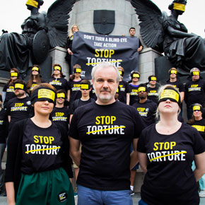 Director of Amnesty Ireland Colm O'Gorman (centre) has teamed up with Gaelforce West to raise funds for and awareness of his organisation's new Stop Torture campaign.