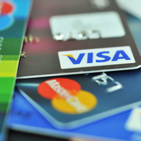 Foreign gang target woman in credit card fraud